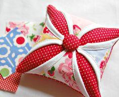 happy little cottage: Pincushion Love