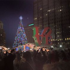 The Philadelphia Museum Of Art Celebrates The Holiday Season With ...