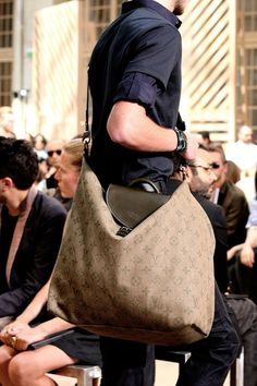 Louis Vuitton Men's SS luv this bag... OMG so much like my BAG!!