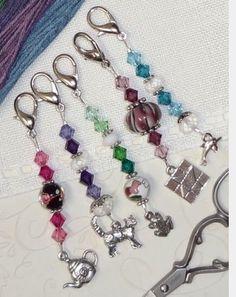 scissor fobs - The Needlework Show Beaded Purses, Beaded Jewelry, Handmade Jewelry, Beaded Bracelets, Beaded Crafts, Jewelry Crafts, Diy Keychain, Beads And Wire, Jewelery