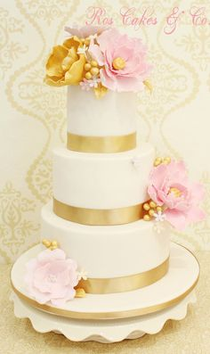Flowers and Gold Wedding Cake