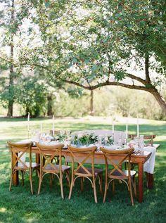 Sophisticated Spring Garden Wedding Tablescpae