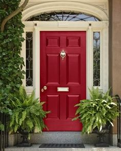 Front Door Paint Colors - Want a quick makeover? Paint your front door a different color. Here a pretty front door color ideas to improve your home's curb appeal and add more style! Best Front Door Colors, Best Front Doors, Front Door Paint Colors, Painted Front Doors, The Doors, Front Door Decor, Entry Doors, Paint For Front Door, Beautiful Front Doors