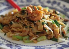 Delicious Recipe for Kwetiau Seafood Szechuan - Quick Healthy Recipes Quick Healthy Meals, Healthy Recipes, Seafood Stir Fry, Chinese Spices, Szechuan Recipes, Vermicelli Noodles, Indonesian Food, Yummy Food, Stuffed Peppers
