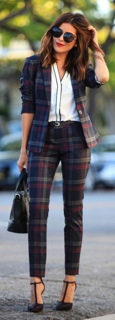 Office look | Checked suit with fantastic heels