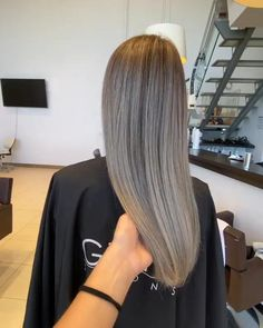 BALAYAGE: Andrevia - GETT'S Color Bar Salon Iulius Mall Cluj Appointments: 0264 555 777 #getts #gettssalons #balayage #coolblonde