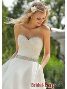 Summer Wedding Dress #wedding www.BlueRainbowDesign.com