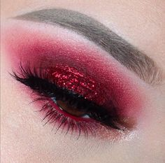 67 Trendy Makeup Red Eyeshadow Make Up Red Glitter Eyeshadow, Glitter Makeup, Eyeshadow Looks, Makeup Eyeshadow, Makeup Goals, Makeup Inspo, Makeup Art, Makeup Inspiration, Makeup Ideas