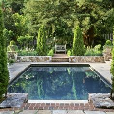 Awesome Pool Landscaping Images Ideas in Pool Traditional design ideas with aquatic boxwoods brick pavers brick Landscaping Images, Pool Landscaping, Landscaping Design, Modern Landscaping, Swimming Pools Backyard, Swimming Pool Designs, Piscine Simple, Pool Bad, Square Pool