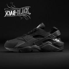 019d892d90042 Nike Air Huarache (Triple Black) - Sneaker Freaker