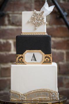 Black, White & Gold Cake with an Art Deco Design|Vintage Speakeasy Wedding Inspiration|Photographer: IJ Photo