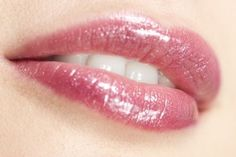 7 Diy Lip Plumper Ideas for Naturally Plump Lips - Wellsphere Diy Lip Plumper, Lip Plumpers, Lip Care Tips, Sexy Talk, Lip Augmentation, All Year Round, Chapped Lips, Pink Makeup, Beautiful Lips