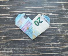 Geldschein falten Herz Fertiges Geld-Herz