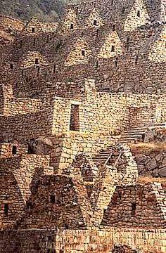 "Machu Pichu  Perú. Beautiful photograph. Repinned by Elizabeth VanBuskirk, author of ""Beyond the Stones of Machu Picchu."""