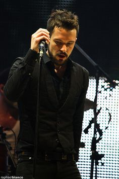 This is like, my favorite picture ever of Brandon. <3 The Killers.