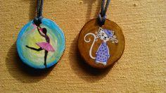 Bailarina. Olive wood jewelry