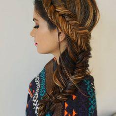 Braids n' cozy sweaters 👌#theblowoutbar #thebridebar #updo #upstyle #romantic #modernsalon #behindthechair #beyondtheponytail #beauty #kevinmurphy #picoftheday #aseenincolumbus #614 #wedding #weddingseason #weddinghairstyle #bridalhair  #hair #bridesmaid #bridebook #longhairdontcare #ighair #hairinspo #braid #braidideas #braided  #hairinspiration #instabraid