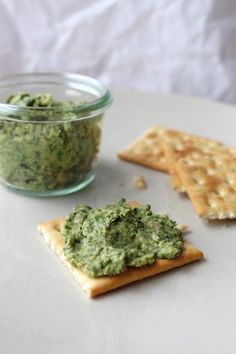 Spicy kale dip with sunflower seeds