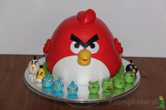 Angry Bird cake With 10 little friends :-)
