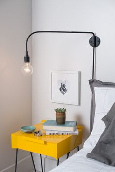 Wall Lamps Inspiration: This Mid-Century Wall Lamp Is Going to Add a Dazzling Touch to Your Mid-Century Modern Interior Home Design, Modern Interior, Interior Design, Bathroom Wall Sconces, Luxury Home Decor, Trends, Wall Sconce Lighting, Room Decor, Metal Nightstand
