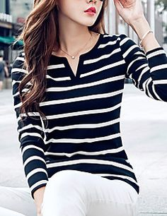 Like the stripes and small v cut Girls Fashion Clothes, Fashion Outfits, Clothes For Women, Mom Outfits, Casual Outfits, Plus Size Casual, Stylish Dresses, Street Chic, Mantel