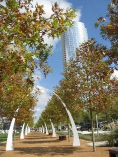 """""""Deck Park Over Woodall Rodgers Combines Activities With Native Landscape"""" via keranews.com"""