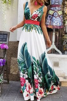 81db81236e5b 17 Best Elegant maxi dress images | Formal dress, Long robe, Low cut ...