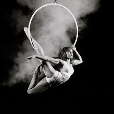 Cause who doesn't need another excuse for a photo shoot? // B&W with chalk // @danila_bim -------------------------------------------- ❗️CircusInspiration has MERCH! Link in bio -------------------------------------------- Follow and hashtag #CircusInspiration to share your circus skills as motivation around the world!