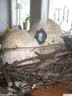ägg,äggskal,påsk,påskdekoration,fågelbo,fjädrar