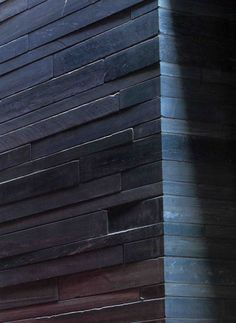THERMES DE VALS – peter ZUMTHOR Sustainable Architecture, Amazing Architecture, Architecture Details, Landscape Architecture, Landscape Design, Ancient Architecture, Peter Zumthor Architecture, Therme Vals, Spa Design