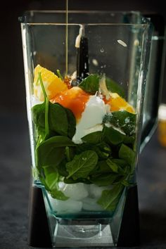 Green Smoothie With Avocado. Fantastic Tips For Improving Your Nourishment With Green Smoothies Smoothie Legume, Smoothie Fruit, Green Detox Smoothie, Blackberry Smoothie, Smoothie Bowl, Easy Green Smoothie Recipes, Healthy Green Smoothies, Healthy Recipes, Snacks Sains