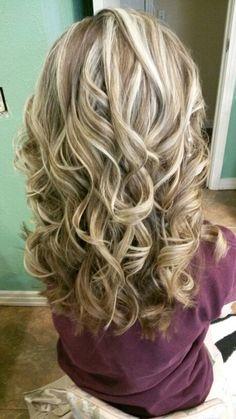 new ideas hair brunette highlights lowlights curls Brown Blonde Hair, Brunette Hair, Medium Hair Styles, Curly Hair Styles, Hair Color Highlights, Brunette Highlights, Hair Color And Cut, Hair Colour, Great Hair