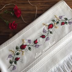 This Pin was discovered by A'y Hand Embroidery Videos, Hand Embroidery Tutorial, Embroidery Patterns, Ribbon Work, Satin Stitch, Crochet Squares, Embroidered Flowers, Red Roses, Needlework