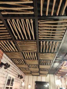 Wooden Ceiling Design, Interior Ceiling Design, Showroom Interior Design, House Ceiling Design, Restaurant Interior Design, Ceiling Decor, Retail Store Design, Cafe Design, Decoration