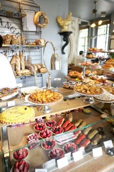 Le Boulanger des Invalides Jocteur. Its quite clear I belong in Paris. Or at least somewhere close by.