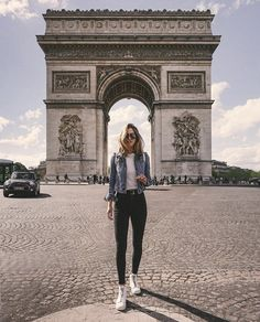 Travel photos paris europe Ideas for 2019 Paris Pictures, Paris Photos, Travel Pictures, Travel Photos, Travel Pose, Paris Photography, Travel Photography, Disneyland, Louvre Paris