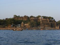 Ahilya Fort Hotel in Madhya Pradesh State overlooking the massive Narmada River which flows from West to East of Central India