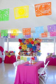 baby shower decoration ideas http://www.babyshowerideas4u.com/festive-mexican-baby-shower/ #festive #party #babyshower #birthdayparty