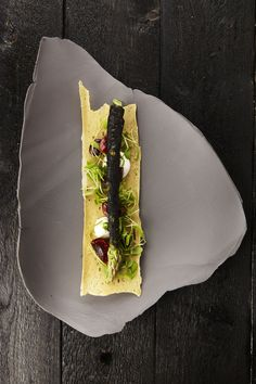 still life - food styling - De Veranda Wine Recipes, Gourmet Recipes, Sushi Recipes, Gourmet Desserts, Gourmet Foods, Plated Desserts, Food Design, Food Porn, Food Decoration
