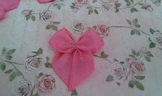 Laço de cetim rosa vivo