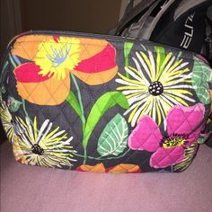 Vera Bradley Makeup Bag Cute makeup bag, a little dirty on the inside because of makeup but is still just fine Vera Bradley Bags Cosmetic Bags & Cases