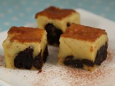 Flan+cu+prune+uscate Flan, Cheesecake, Food And Drink, Sweets, Desserts, Pudding, Tailgate Desserts, Creme Brulee, Deserts