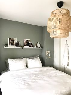 35 Amazingly Pretty Shabby Chic Bedroom Design and Decor Ideas - The Trending House Home Bedroom, Modern Bedroom, Master Bedroom, Bedroom Decor, Bedroom Ideas, Contemporary Bedroom, Bedroom Rustic, Bedroom Inspiration, Bedroom Simple
