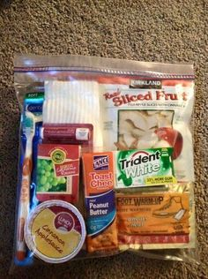 Homeless gift pack. Keep 2 in your car at all times! Socks, snacks, body wash/shampoo, toothbrush, toothpaste, tic tacs, bottle of water, etc