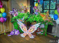 Фотозона Феи Винкс создана для детских праздников и фотосессий! Добавит радостных красок и украсит любой интерьер.  В декорации использованы стразы, блестки и яркие краски.