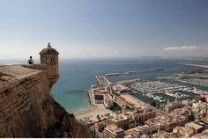 Alicante Reisetipps von Reisebloggerin Britta: Einsame Strände, schicke Beachclubs, Tapas Bars, Restaurant-Tipps, Shopping. Ein Wochenende zum Nachreisen.
