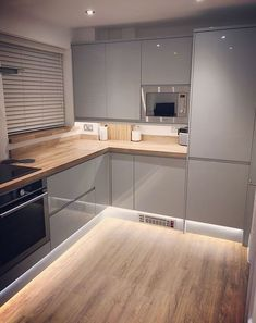 Thank you to @lichlad for sharing his beautiful Clerkenwell Gloss Grey kitchen via Instagram! Design your dream kitchen at Howdens. #Kitcheninterior #ContemporaryInteriorDesignkitchen