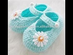 Crochet Baby Shoes baby knitted shoes - just for inspiration Booties Crochet, Crochet Slippers, Baby Booties, Crochet Baby Clothes, Crochet Baby Shoes, Crochet Baby Blanket Beginner, Baby Knitting, Crochet For Beginners, Crochet For Kids