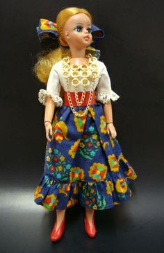 Gypsy Susi Estrela doll, 1970's. ( Muñeca gitana Susi, fabricada pele Estrela, década de 70). #susi #estrela #doll #gypsy #boneca #gitana