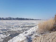 Imposant - Eisgang auf der Elbe  ©DorothéeMeyer